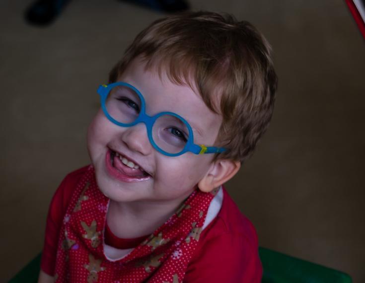 Little kid smiling.
